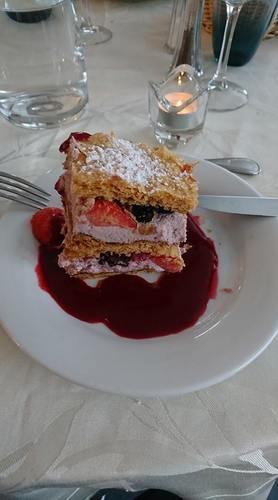 Mille Feuilles de Fruits Rouge
