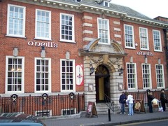 Visiter O'Neills Victorian Pub and Townhouse